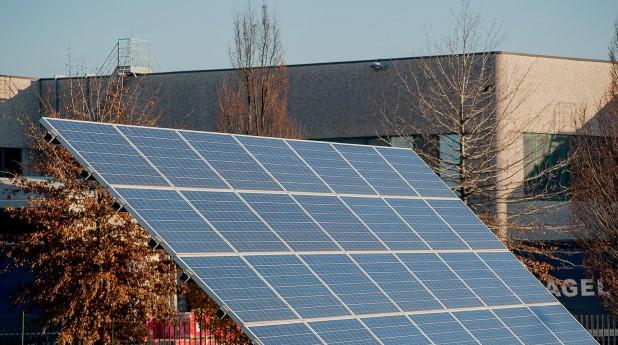 29761876-solar-panels
