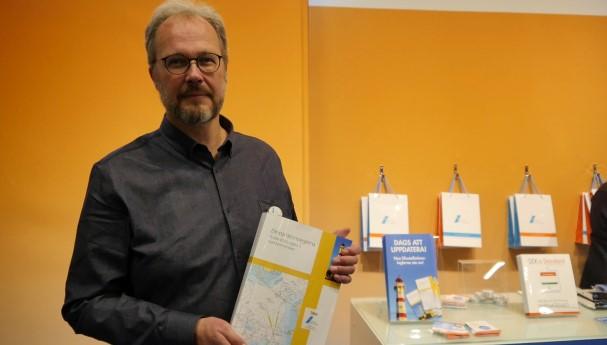 SEK:s Joakim Grafström lanserade den nya utgåvan av elinstallationsreglerna vid Elfack.