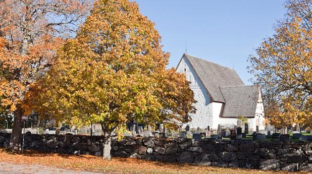 kyrka-och-kyrkogard