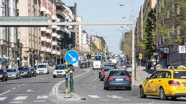 gata-med-bilar