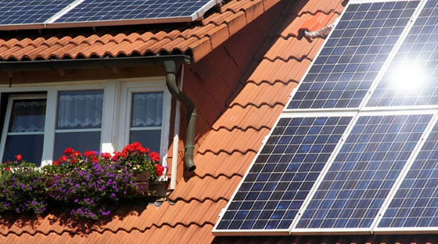 954039-housetop-with-solar