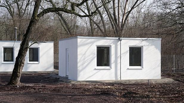 14973803-refugee-shelters-1