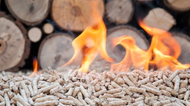 Ved, pellets och eld