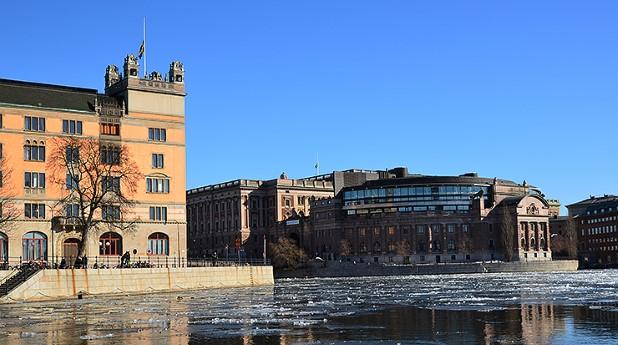 Rosenbad och riksdagshuset i Stockholm