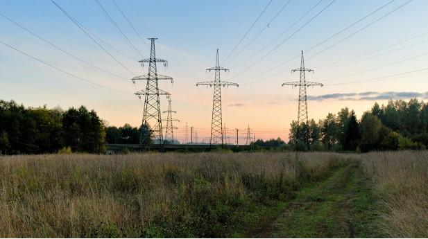 1402742-high-voltage-powerline-at-rural-webb
