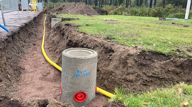 Förläggning av kanalisation för laddplats.