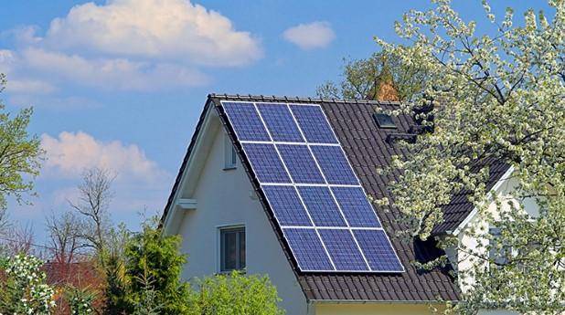 Solenergianläggning på en villa