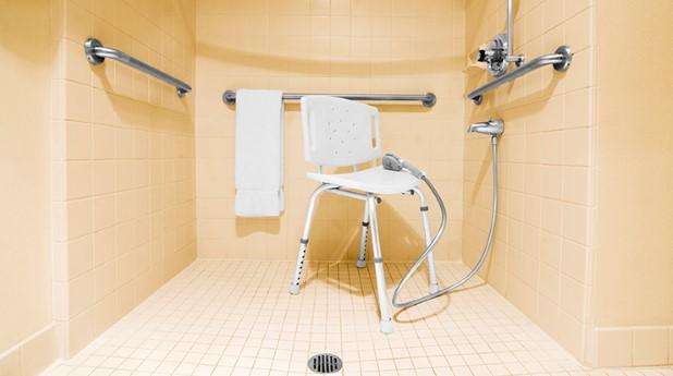 stodhandtag i duschutrymme_ben-carlson_