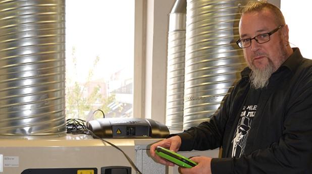 Jörgen Björklund i ventilationslabbet
