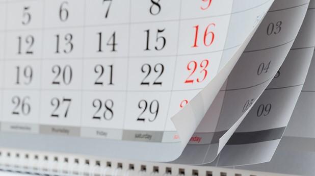Kalender med månadsidor