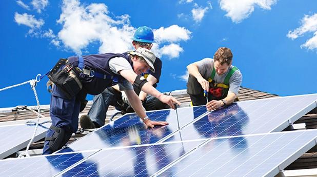 1809351-solar-panel-installation