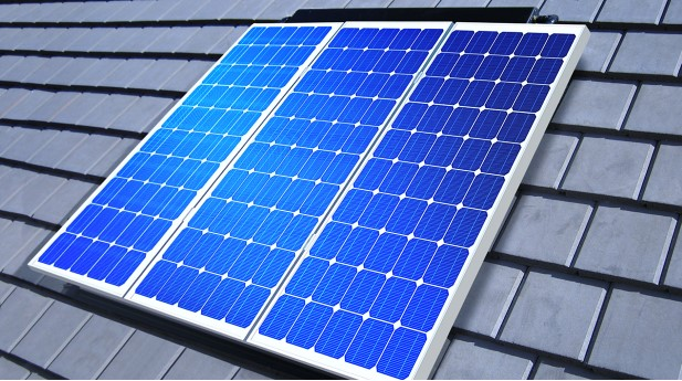 11355246-solar-cell-array-on-roof