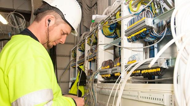 elektriker, elinstallatör, elanläggning, kablar