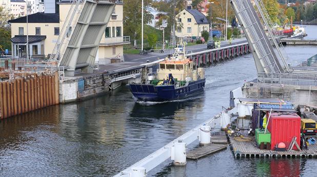 Slussen i Södertälje ska breddas och få nya slussklaffar.