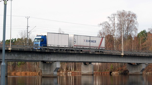 langtradare-pa-en-bro