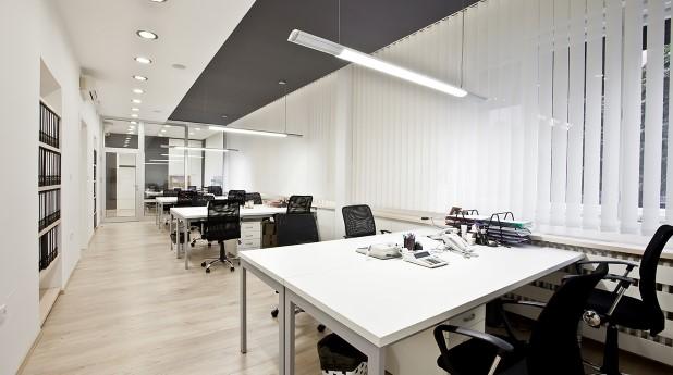 13839737-modern-office