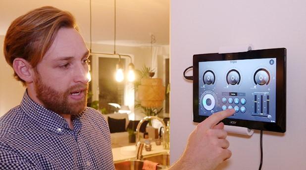 Varje lägenhet har en display där man kan se och styra energianvändningen i lägenheten.