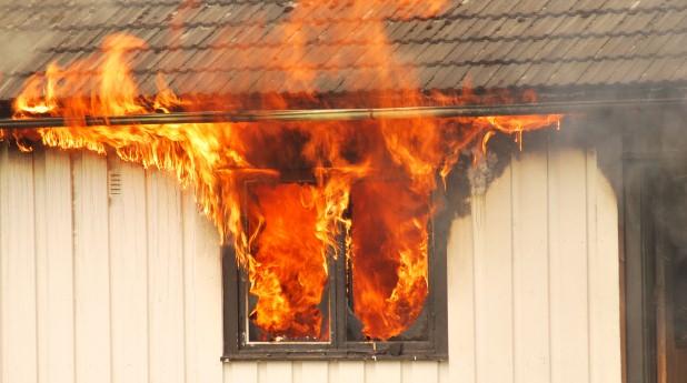 Brand i fönster