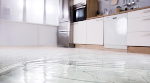 Utläckande vatten i kök